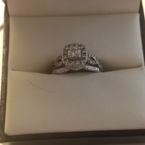 Engagement ring and marriage band